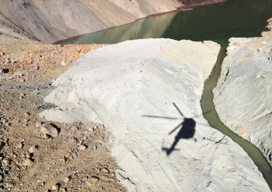 11月3日,金沙江白格段再次发生山体滑坡,形成堰塞湖,造成金沙江